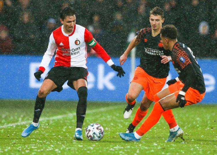 ROTTERDAM - Feyenoord - PSV , Football , Season 2019/2020 , eredivisie , Stadion de   Kuip, 15-12-2019 , Feyenoord player Steven Berghuis,  PSV player Donyell Malen, PSV player Olivier Boscagli